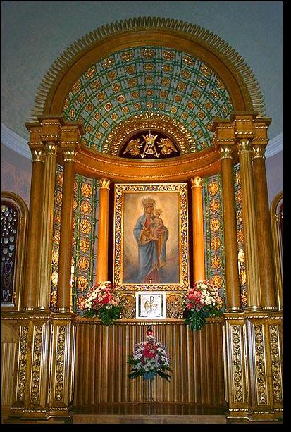 Tabernakulum w Sanktuarium Matki Bożej Królowej Polski Na Górce w Szczyrku