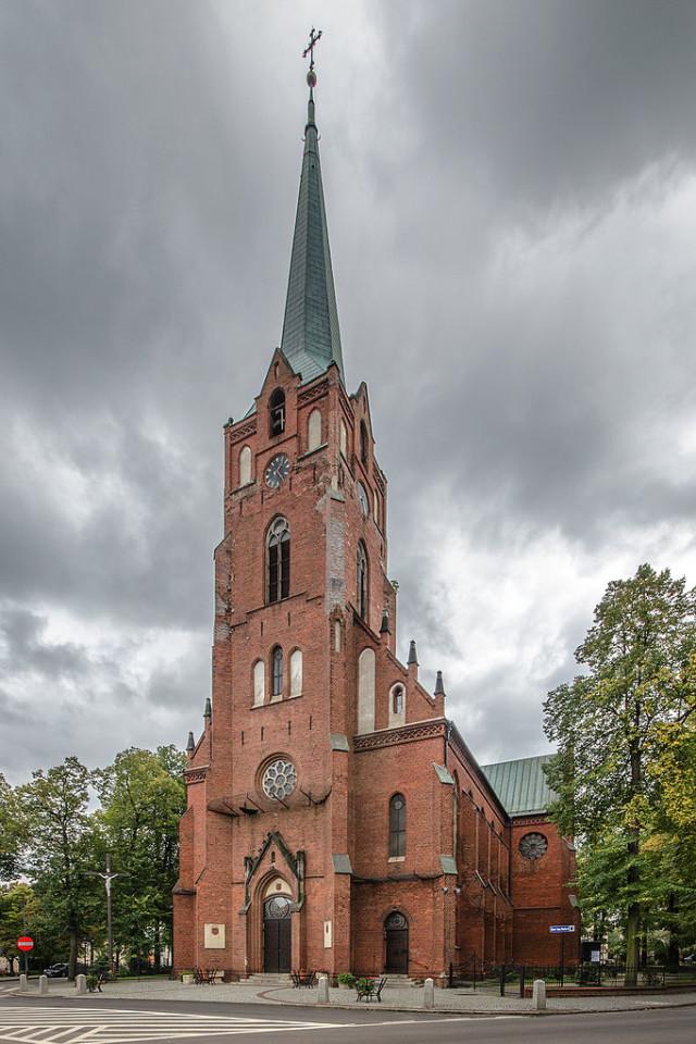 Kościół Wspomożenia Wiernych - fot. Sławomir Milejski (CC BY-SA 3.0 PL)