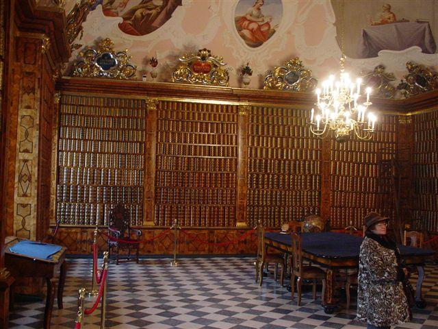 Biblioteka na Jasnej Górze, fot. Drozdp (CC BY-SA 3.0)