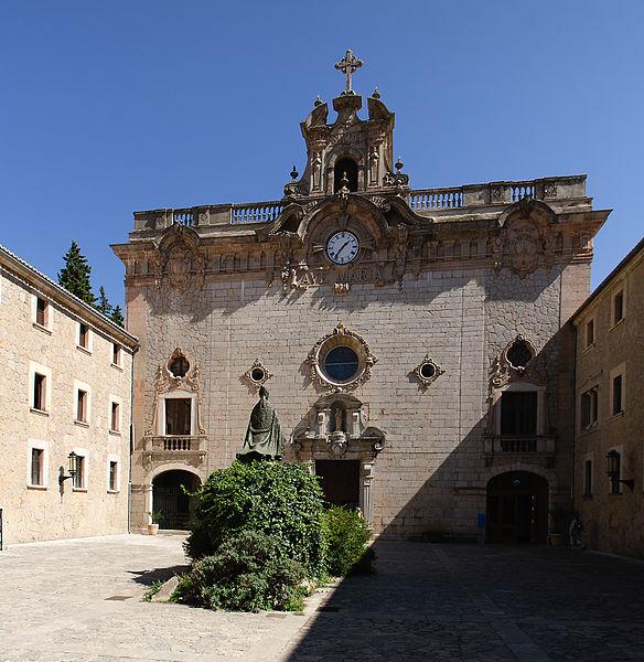 Sanktuarium w Lluc, fot. Pjt56 (CC BY-SA 3.0)