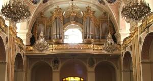 Pszów: Wnętrze Bazyliki Mniejszej z widokiem na chór