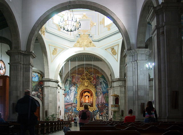 Wnętrze Bazyliki Matki Bożej w Candelarii, Wyspy Kanaryjskie
