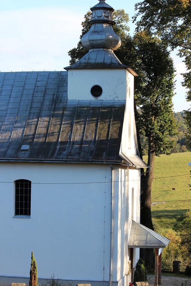 Kościół Matki Bożej Niepokalanej, dawniej cerkiew greckokatolicka św. Dymitra Męczennika, fot. Kinia123000 (CC BY-SA 3.0 pl)