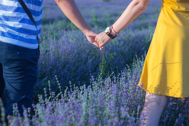 Czy związek dwojga ludzi jest w oczach religii dobrem czy złem?