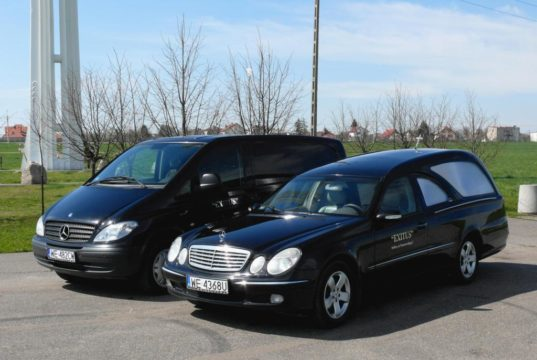 Jak wybrać zakład pogrzebowy w Warszawie?